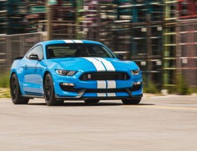 2017 Ford Mustang Shelby GT350 / GT350R Tested in Depth: Raucous and Race Ready