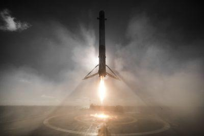 This haunting new photo of a SpaceX rocket seconds before it lands is frame-worthy