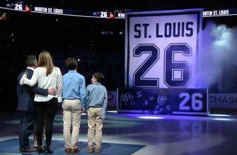 Martin St. Louis has jersey number retired by Lightning in emotional ceremony