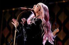 Kesha Joined by Cyndi Lauper, Camila Cabello, Julia Michaels & Andra Day for Powerful 'Praying' Performance at the 2018 Grammys