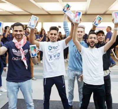 Apple's iPhone X Shipping Improves In The UK, Now Ships In 2-3 Weeks