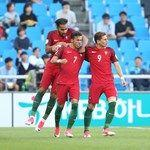 Portugal qualify for last 16 after late win