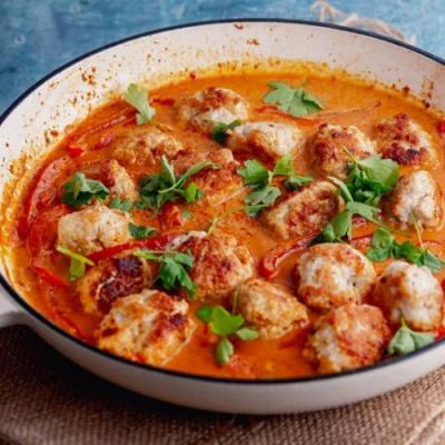 Meatball Curry with Creamy Coconut