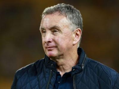 Newcastle Jets coach Ernie Merrick gives up hope of making A-League finals