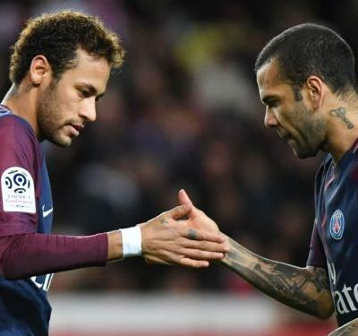 Neymar on his recovery and Dani Alves the big kid - Ligue 1 goes social