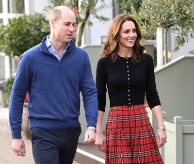 Prince William & Kate Middleton's 2018 Christmas Card Body Language Is Beyond Adorable