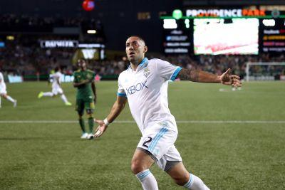 Clint Dempsey's timely goal for Seattle Sounders snatches victory away from Portland Timbers