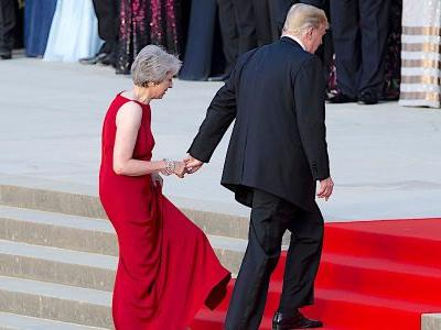 'Everyone rolls their eyes' when Trump talks to Theresa May because he's 'like a golf club bore,' Downing Street insiders say