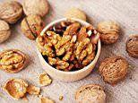 Walnuts reduce cravings and promote feeling of fullness