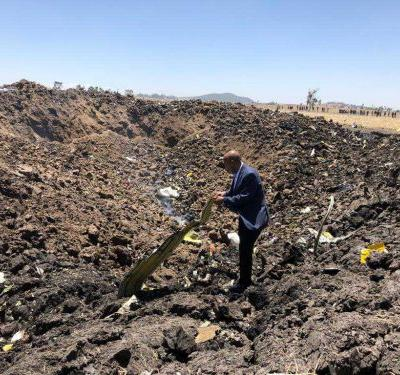 Boeing moving toward updates as Ethiopian official says 2 deadly plane crashes linked