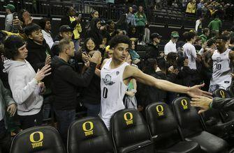 No. 17 Oregon rallies to beat No. 16 Colorado 68-60