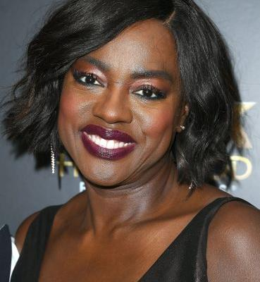 "Viola Davis Praises Rihanna For Making Her Feel ""Recognised"" in Beauty"