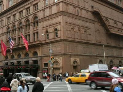 Videos show a choir's impromptu 'celestial' performance outside Carnegie Hall after NYC power outage shut down their show