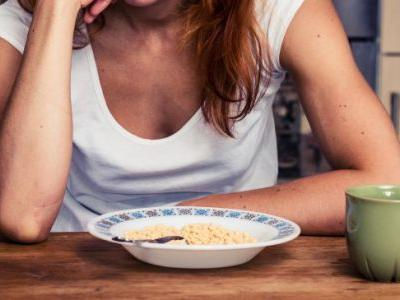 Not Hungry? Loss of Appetite Causes + 6 Natural Remedies