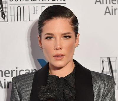 """Halsey's Response To Accusations She Never """"Claims Her Black Side"""" Is A Lesson On White-Passing Privilege"""