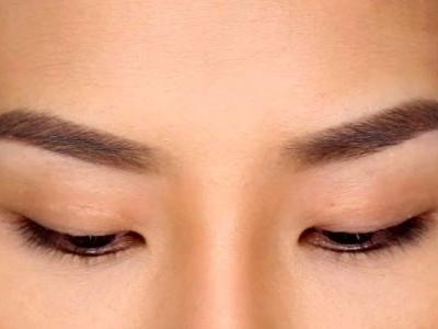 How to Shape Eyebrows Without Spending