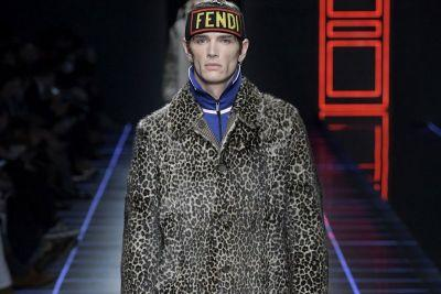 Fendi's 2017 Fall/Winter Collection Is Bold and Loud