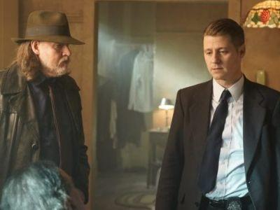 Gotham Episode 5.08 Promo: Bruce and Alfred Investigate the Tunnels