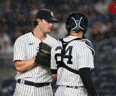 MLB set to test electronic communications for catchers and pitchers