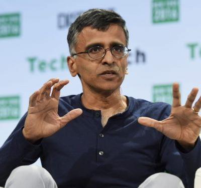 Ex-Google exec says search giant uses its dominance to artificially prop up its products in new, unrelated sectors