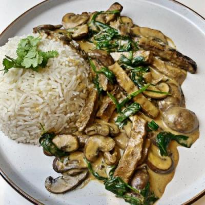 Vegan Creamed Spinach and Mushrooms