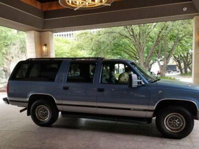 I'm Camping In My 1996 Chevrolet Suburban For A Month. What Do You Want To Know?