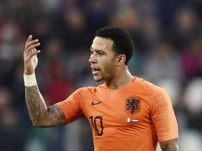 LIGA - Depay has reportedly seen his wages slashed by 30 per cent