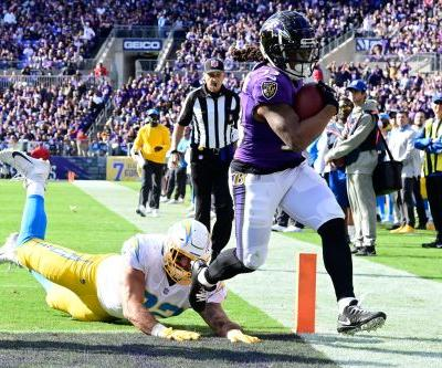 Instead of a shootout between star QBs, Ravens run over Chargers, push win streak to five