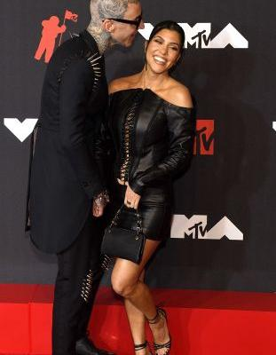 Kourtney Kardashian's Engagement Ring From Travis Barker Is Huge! Photos From Alabama and Kim