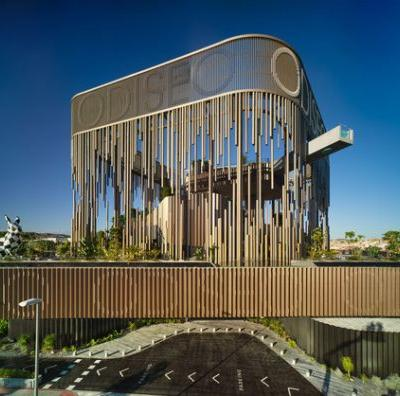 Odiseo Gastronomic and Leisure Center / Clavel Arquitectos