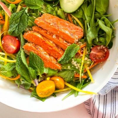 Lemon Quinoa Salad & Grilled Salmon