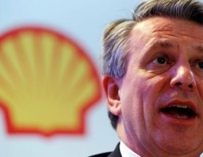 Shell considers selling assets in the largest US oil field, Reuters reports, highlighting pressure to focus on low-carbon investments