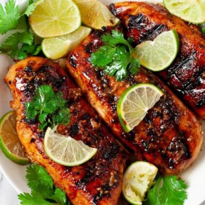 Grilled chicken with garlic lime